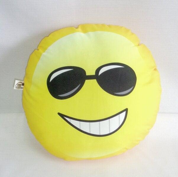 Dekoratyvinė pagalvėlė Veidukas, 40x40 cm kaina ir informacija | Dekoratyvinės pagalvėlės | pigu.lt