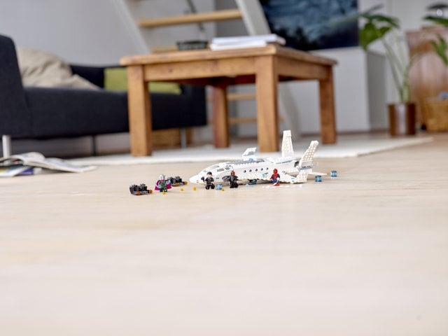 76130 LEGO® Marvel Super Heroes Starko reaktyvinis lėktuvas ir dronų puolimas