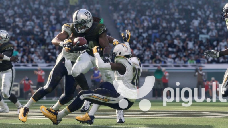 Madden NFL 18 Xbox One internetu