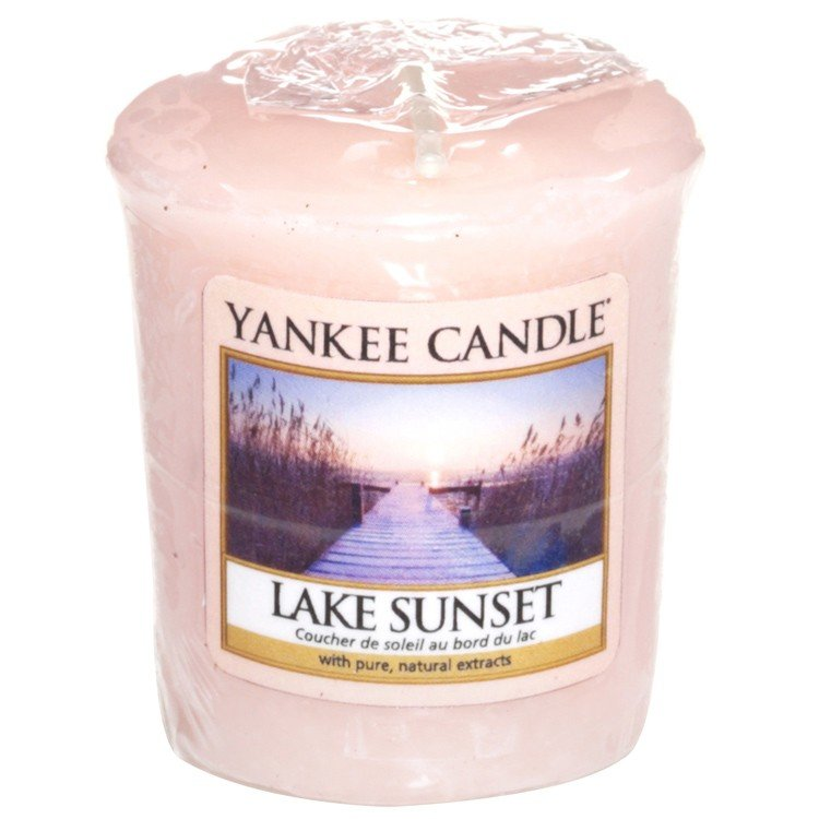 Aromatinė žvakutė Yankee Candle Lake Sunset 49 g