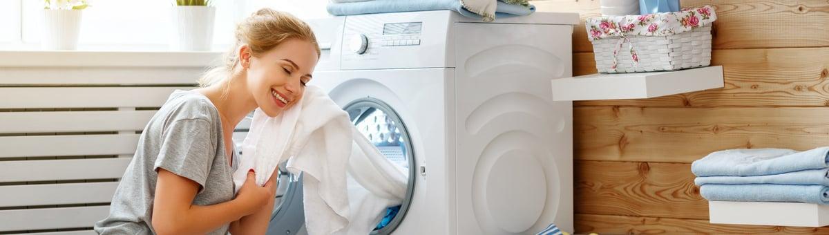 mergina dziaugiasi svariais skalbiniais is beko skalbimo masinos su steamcure funkcija